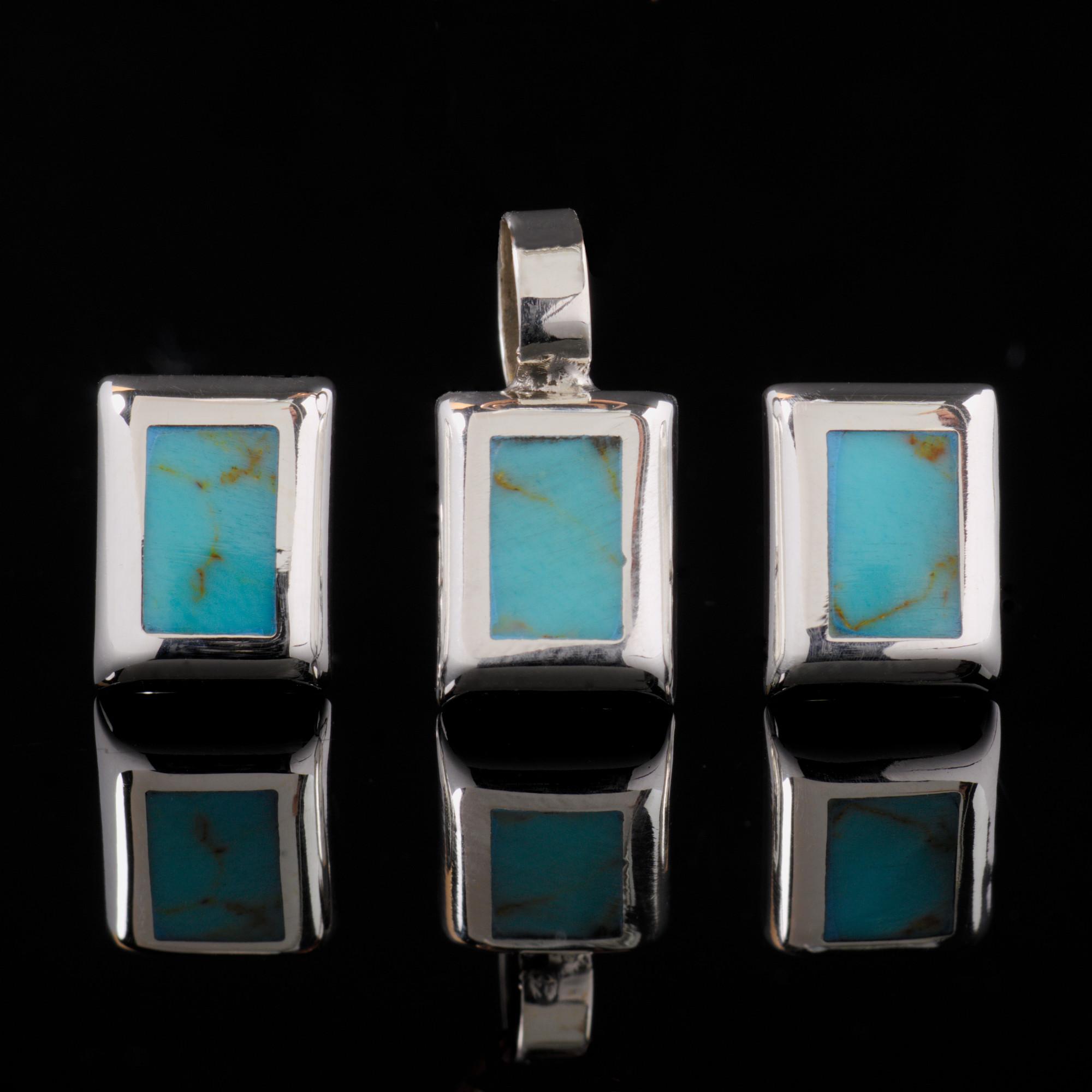 Arietis: Kombination med berlock och örhängen, silver/blå rektangel, stenar och glansig silver finish