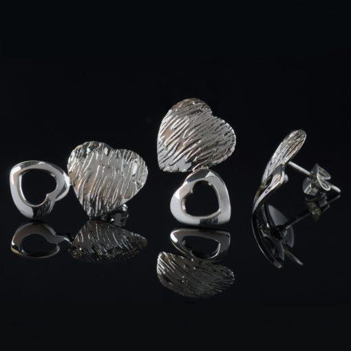Luv: kombination med berlock och örhängen, hjärta med glansig och randig silver finish