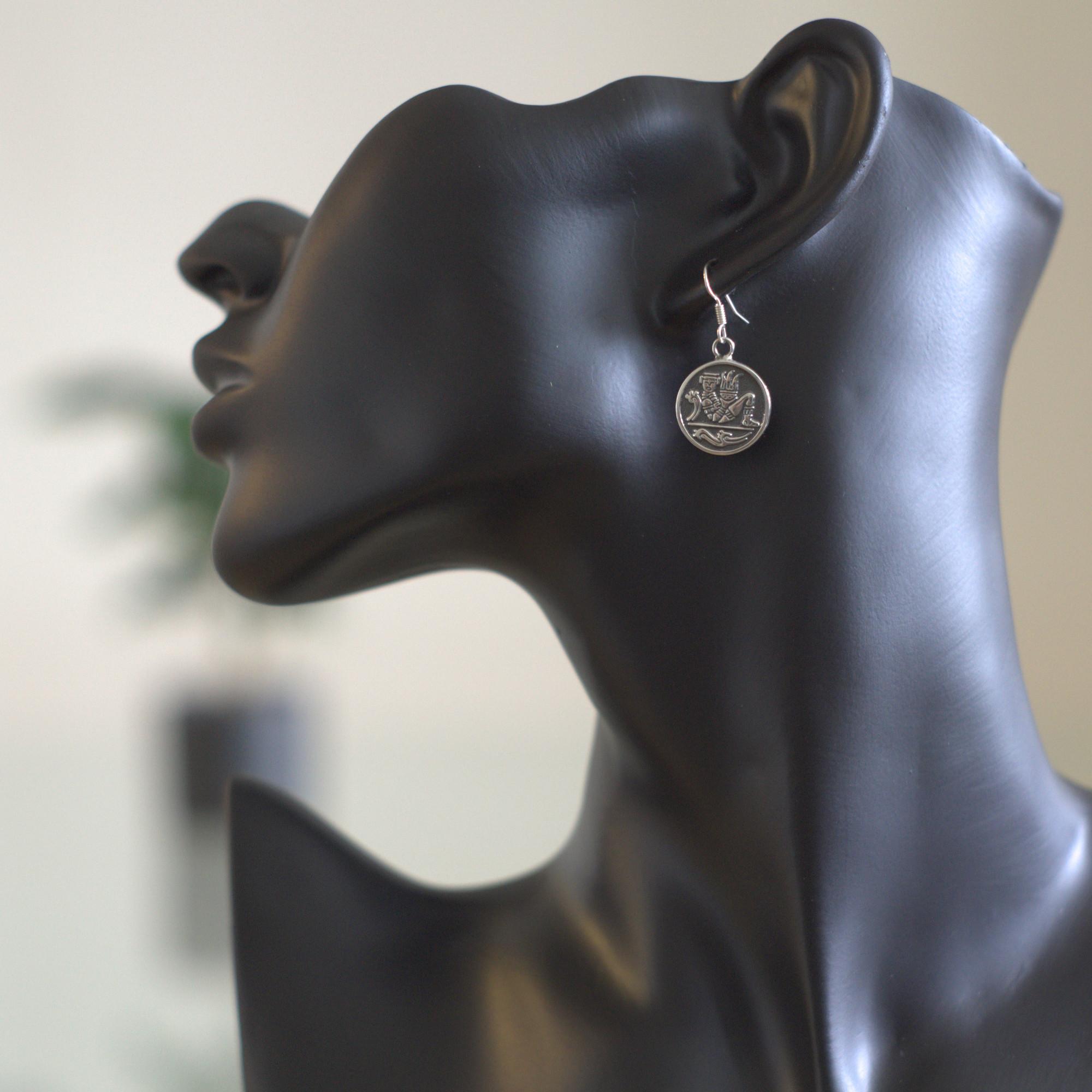 Chac mool - Silver örhängen med mayan figur